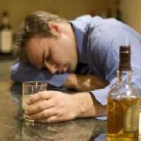 употребление алкоголя может вызвать запой